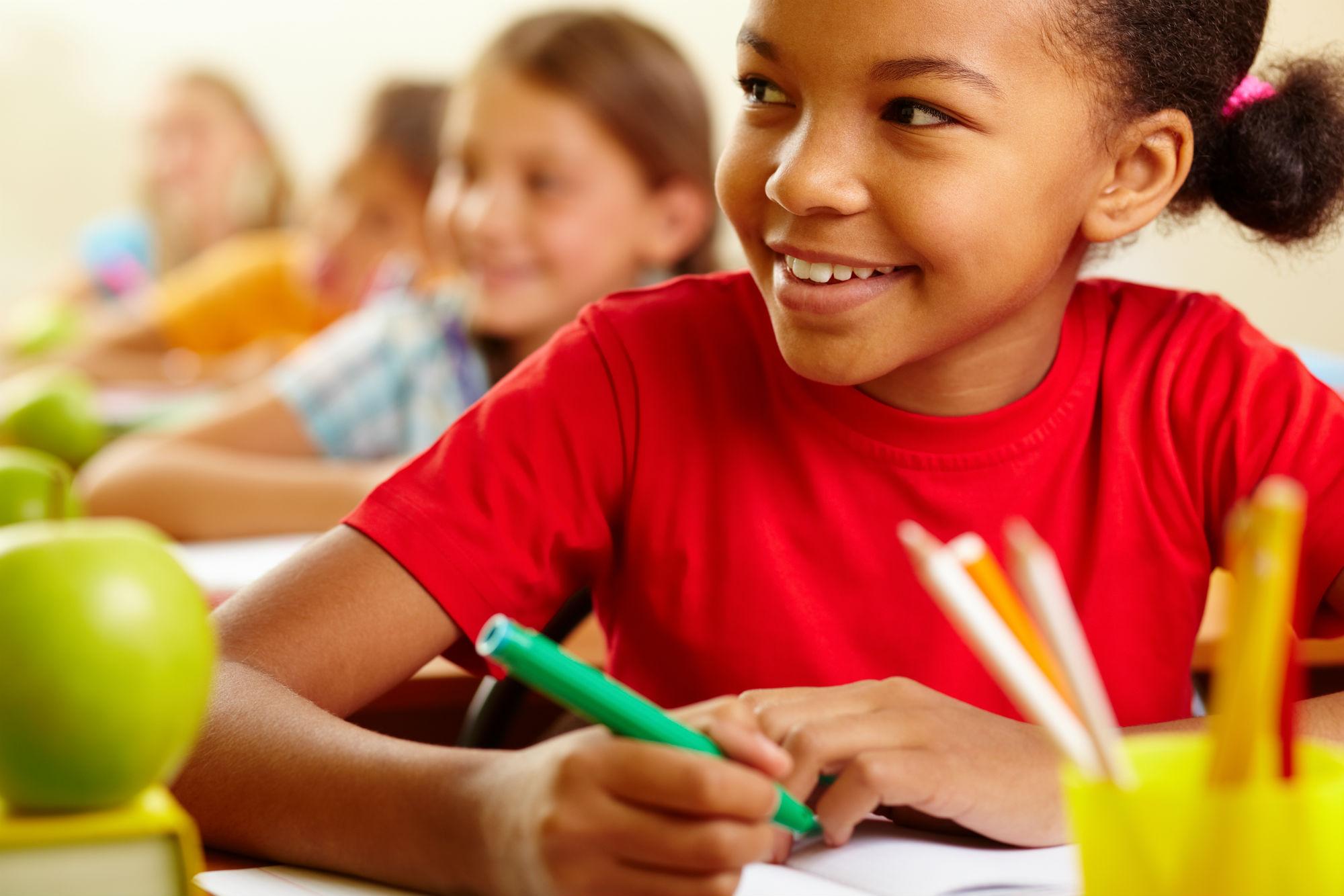 ruido-escolas-afeta-fala-criancas