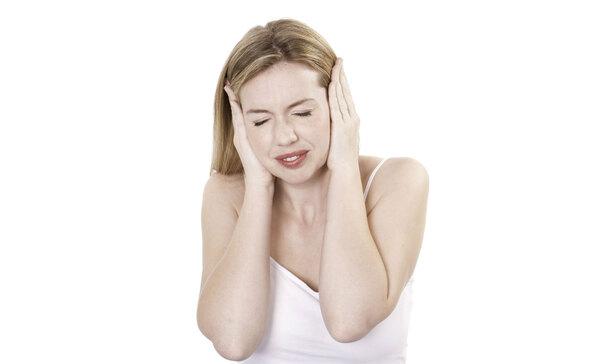 zumbido-no-ouvido-causas-emocionais