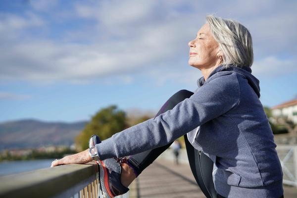 Fazer atividade física usado aparelhos auditivos